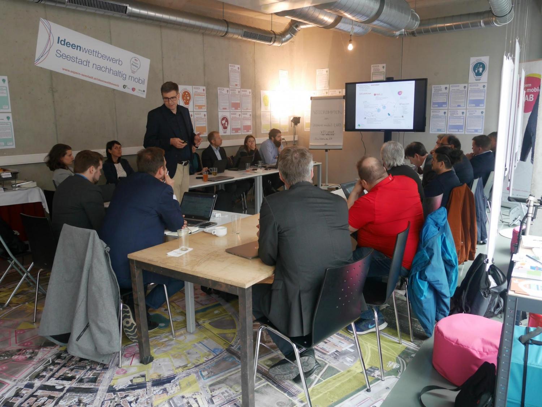 Eine Delegation aus Tampere, Finnland besucht das OPEN.mobil LAB