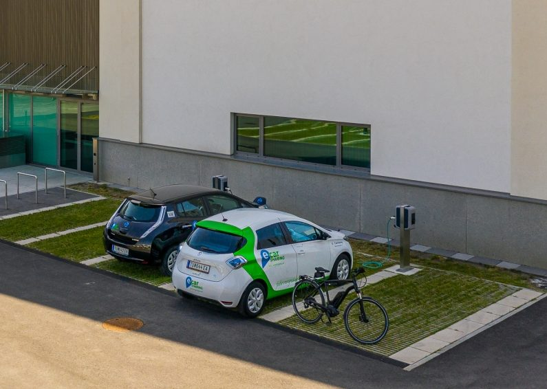 CarSharing Auto an Ladesäule